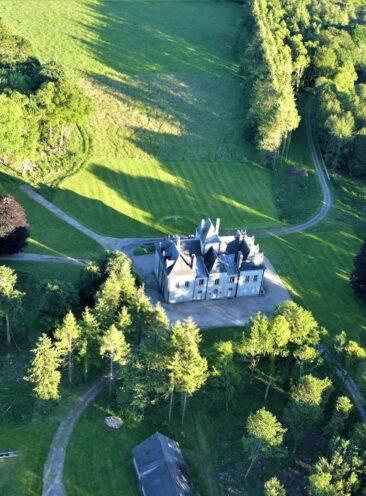 vue du ciel du Château à Melgven